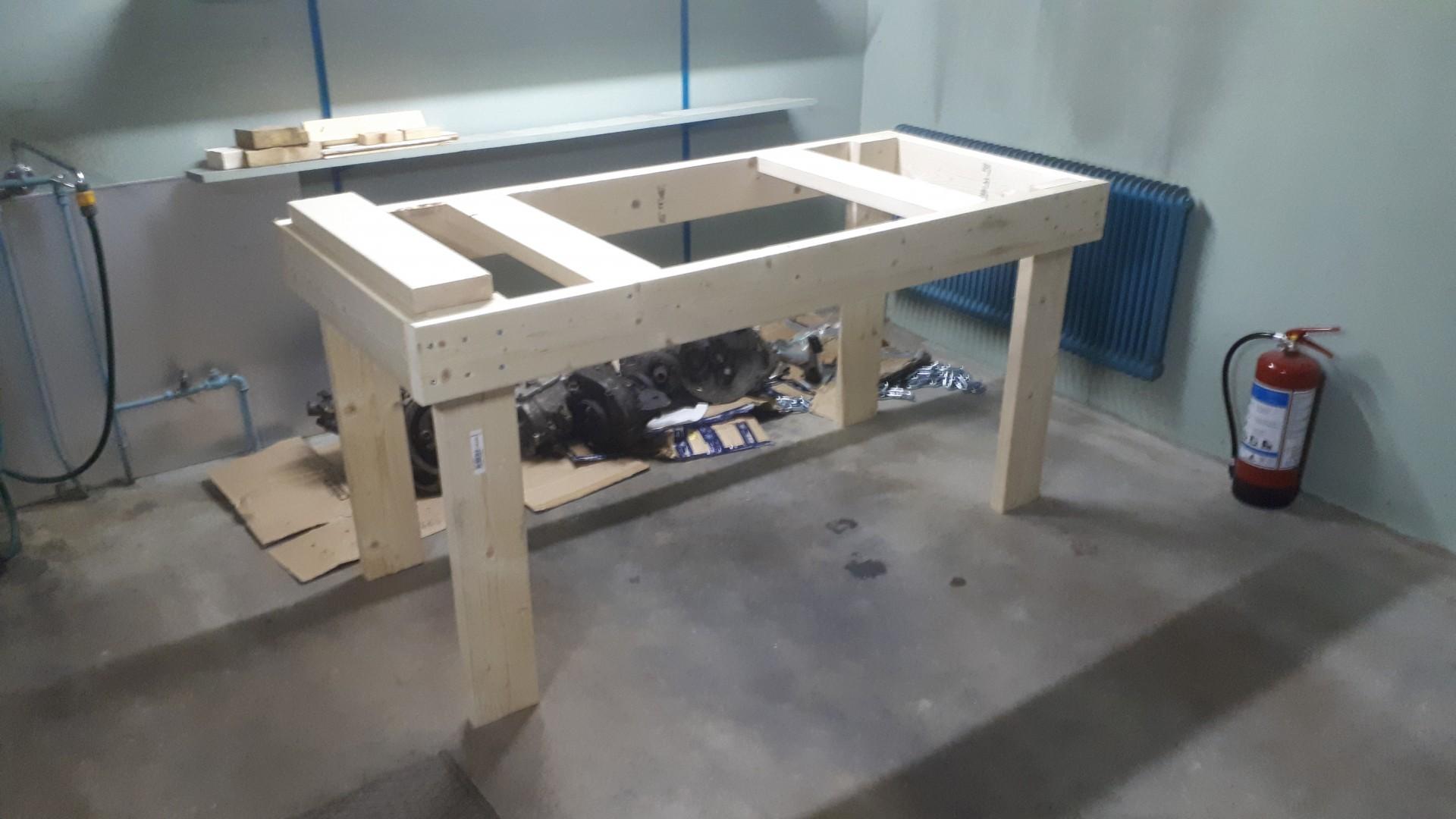 Bygge-av-garagebänk