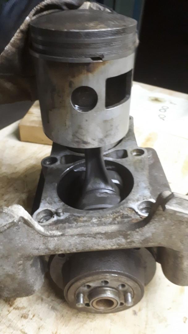 Kolv-2-från-svänghjulsända
